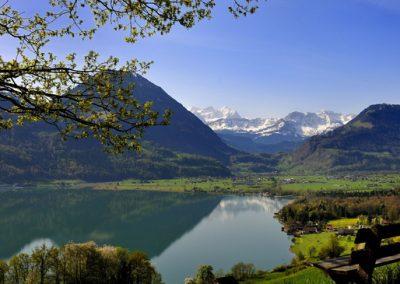 Widok na jezioro Sarnersee i góry