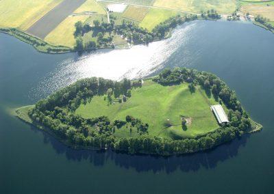 Widok z powietrza na Jezioro Lednickie
