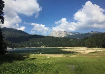 Czarnogóra - jezioro w Parku Narodowym obok Zabljaku