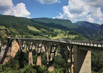 Most Durdevica w Czarnogórze nad kanionem Tara