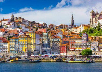Panorama kolorowego miasta Porto