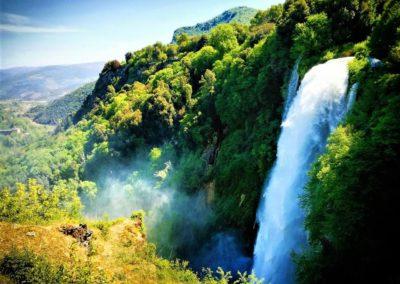 Największy sztuczny wodospad świata - Cascata della Marmore