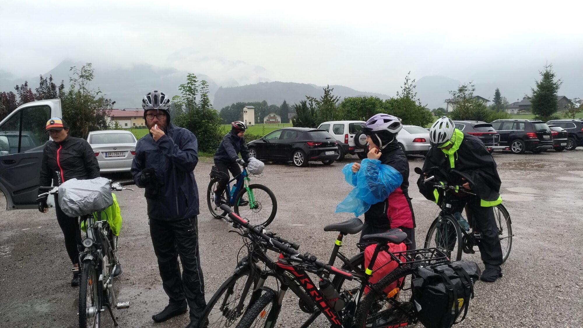Przerwa podczas wycieczki rowerowej